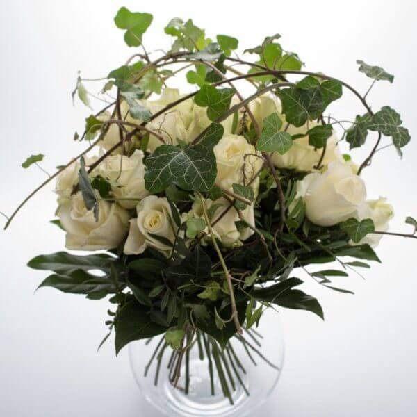 Hvide Roser og Efeu, fuld
