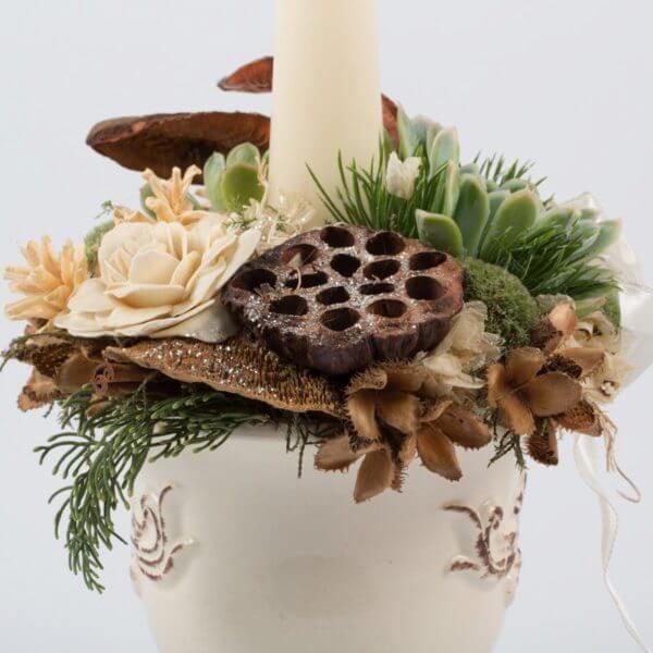 Juledekoration, hvid potte, creme keglelys, detalje 1
