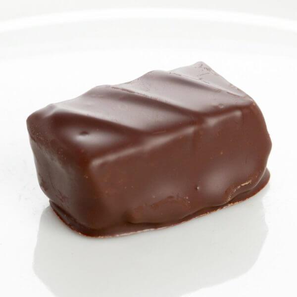 Billede af et stykke hjemmelavet chokolade fra Sv. Michelsen