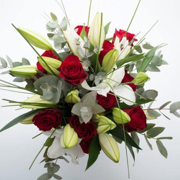 Billede af Liljer og røde Roser
