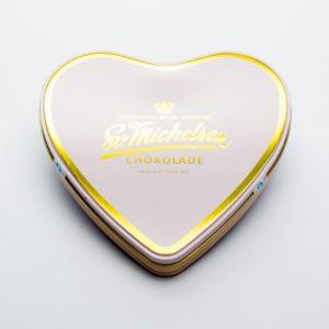 Hjerteæske med 18 stykker eksklusiv chokolade